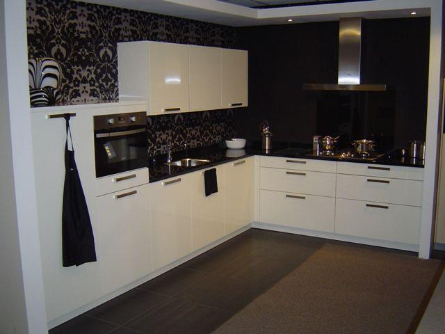 Ikea Keuken Onderkast : Showroomuitverkoop complete moderne keuken met granieten