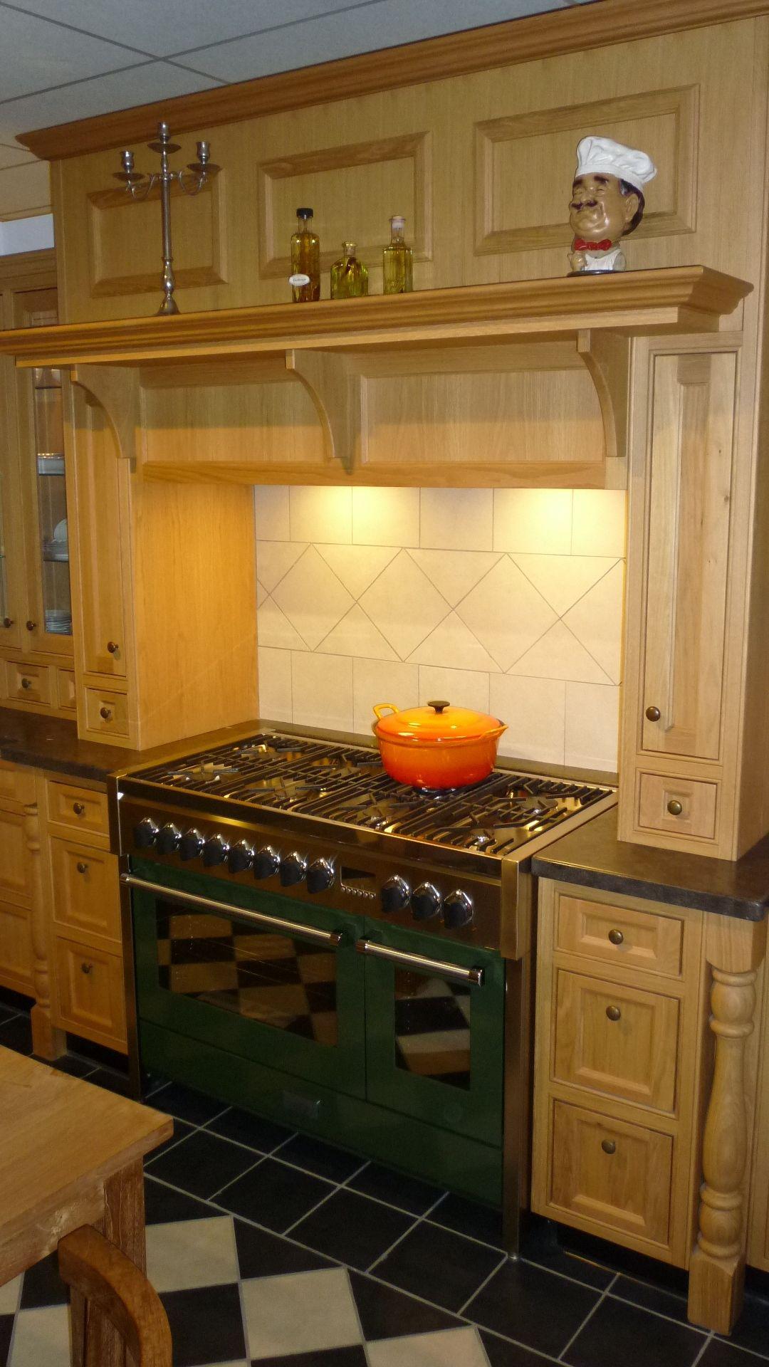 ... .nl   Massief eiken nostalgische keuken met veel details [49342
