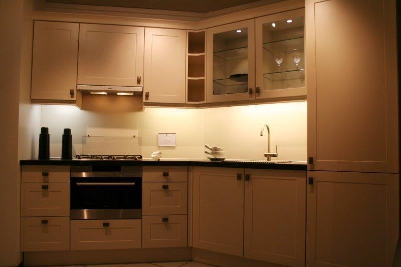 keuken met schuine hoek 49980