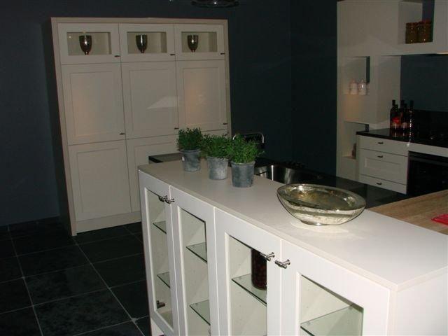 Eiland Keuken Aanbieding : Showroomuitverkoop nl SieMatic keuken landelijke stijl