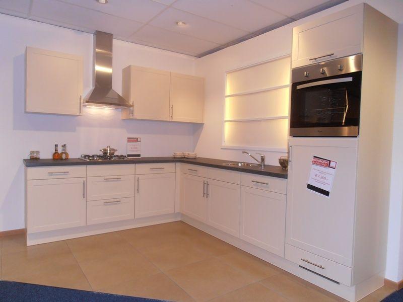 Verf voor keuken achterwand keuken keukentegels nig wonen holiday and vacation - Verf kleur keuzes voor zitplaatsen ...