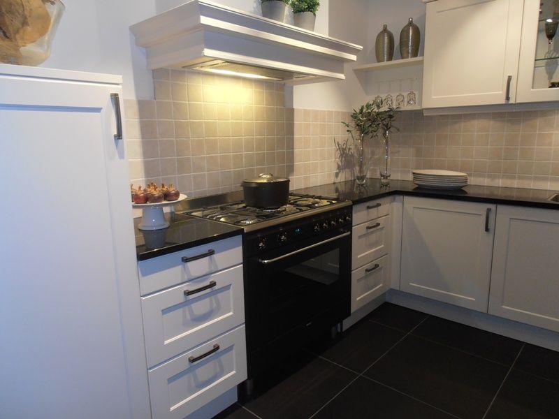 1000 images about keukens on pinterest shelves grey cabinets and tile - Deco keuken kleur ...
