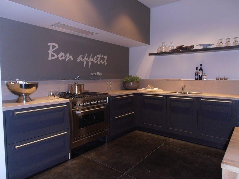 Stoere Landelijke Keuken : Een stoere landelijke keuken in fineer, uitgevoerd in de kleur eiken