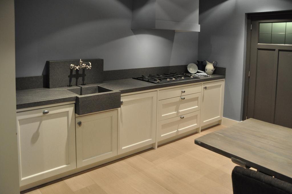 Wandtegels Keuken Modellen : Landelijke witte keuken. awesome landelijke witte keuken voorkant