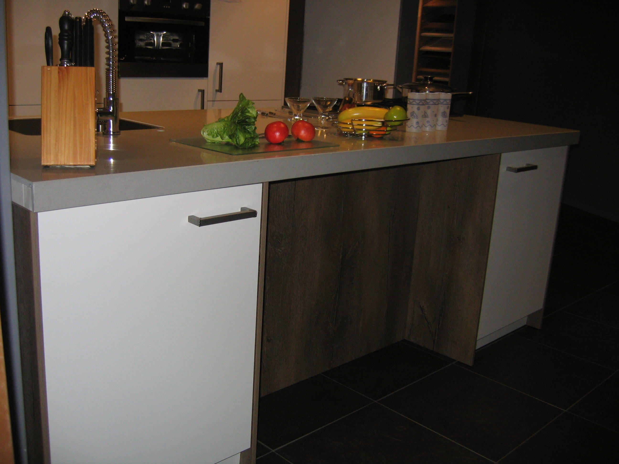 Modern rotpunkt eiland keuken 33572 - Model keuken wit gelakt ...