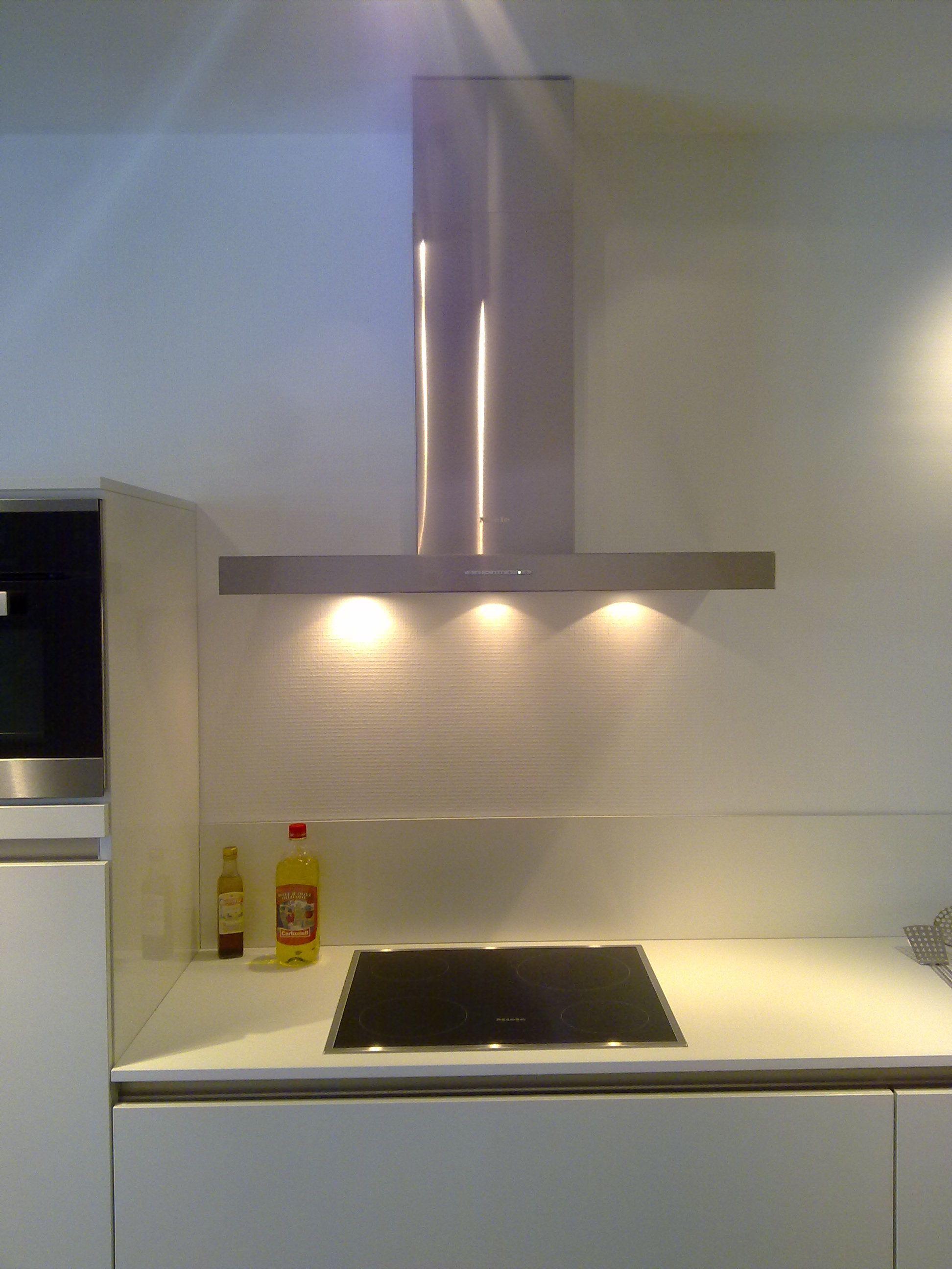 Glanzend witte keuken: fotos keuken wit hoogglans keukens.