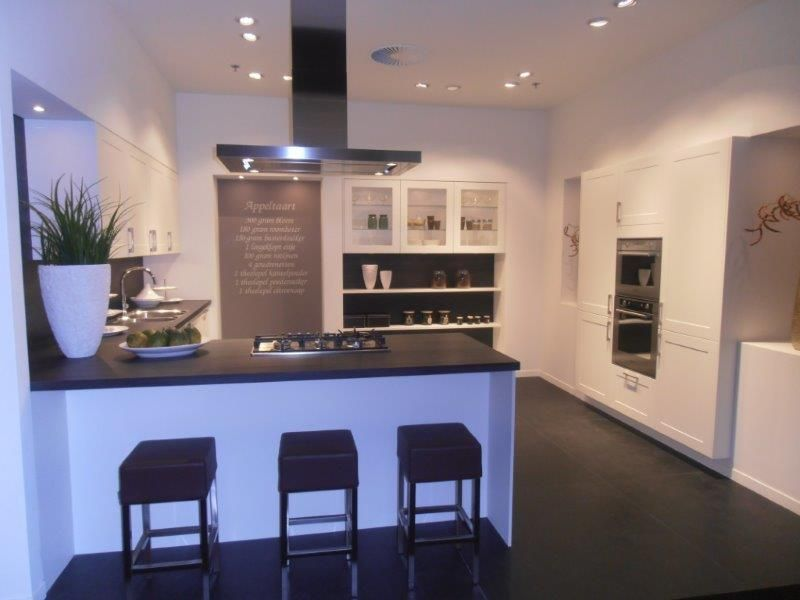 Keuken Wit Mat : keuken in wit mat 50682 verkocht kooinummer kooi 5a kleur wit mat