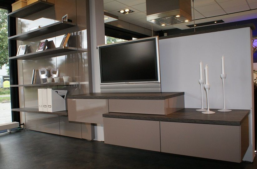 Meubel Showroom Uitverkoop : Showroomuitverkoop siematic tv meubel