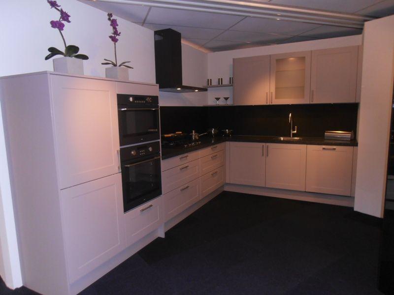 keuken taupe wit
