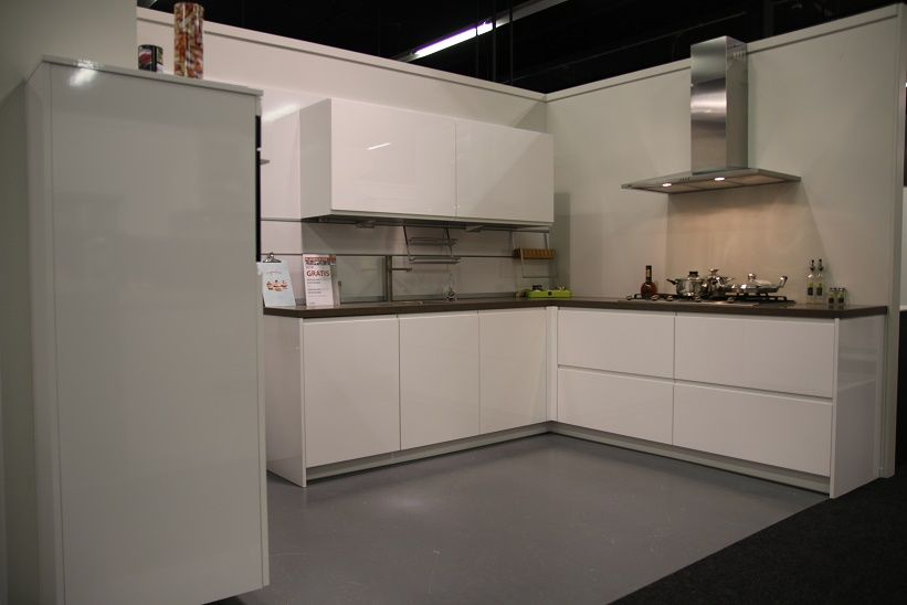 Fresh glans wit 54840 - Keuken shmidt ...