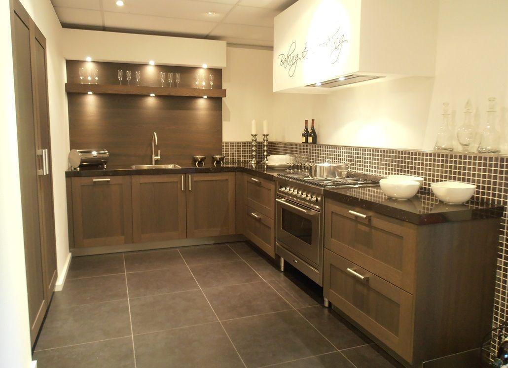 Eiken Keuken Grijs : Showroomuitverkoop nl Landelijke keuken in Eiken Sepia