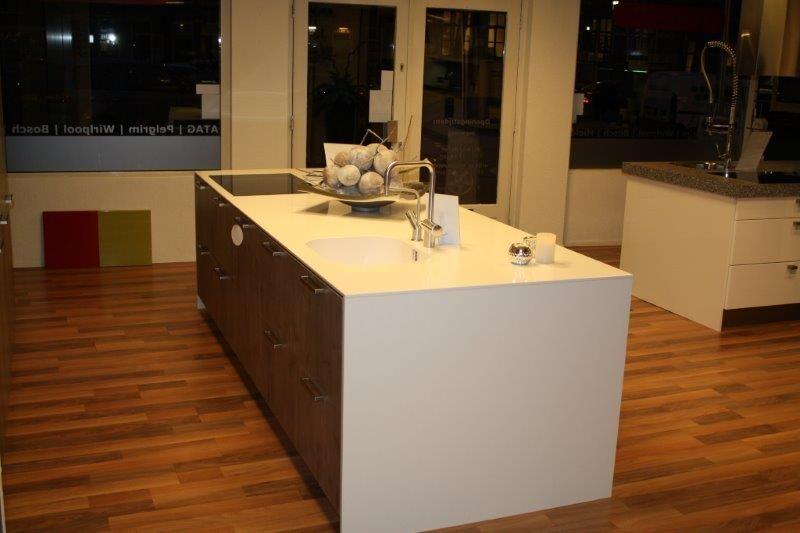 Moderne Keuken Eiland : Showroomuitverkoop.nl