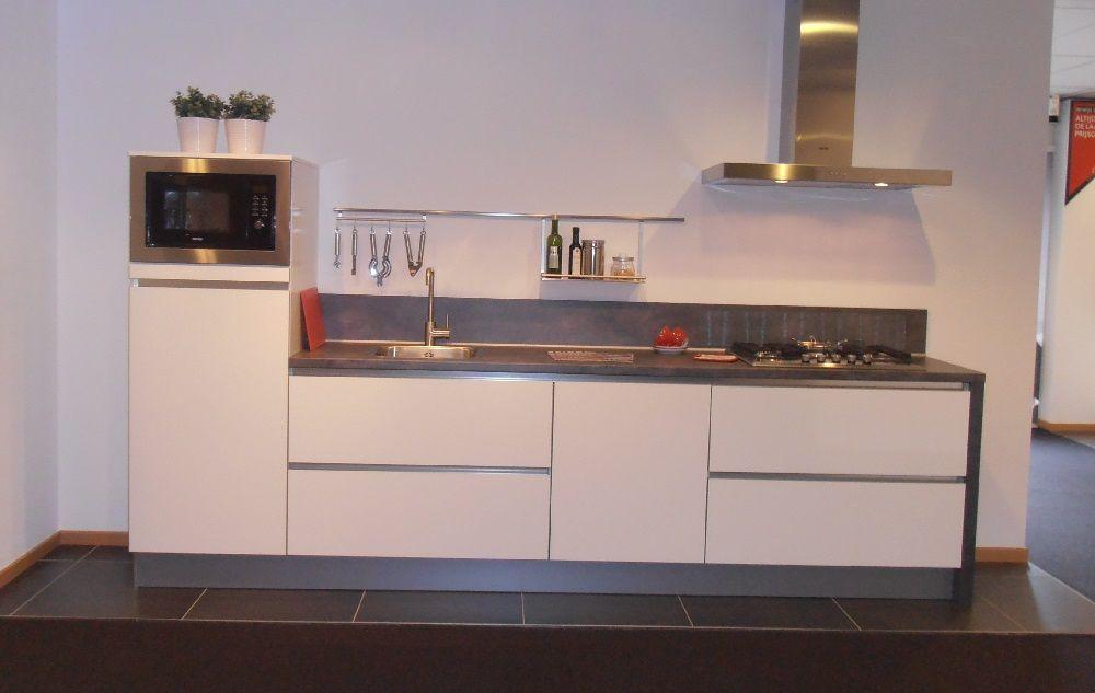 Keuken Greeploos Hoogglans Wit : keuken in hoogglans wit 53984 verkocht kooinummer kooi 6 kleur wit