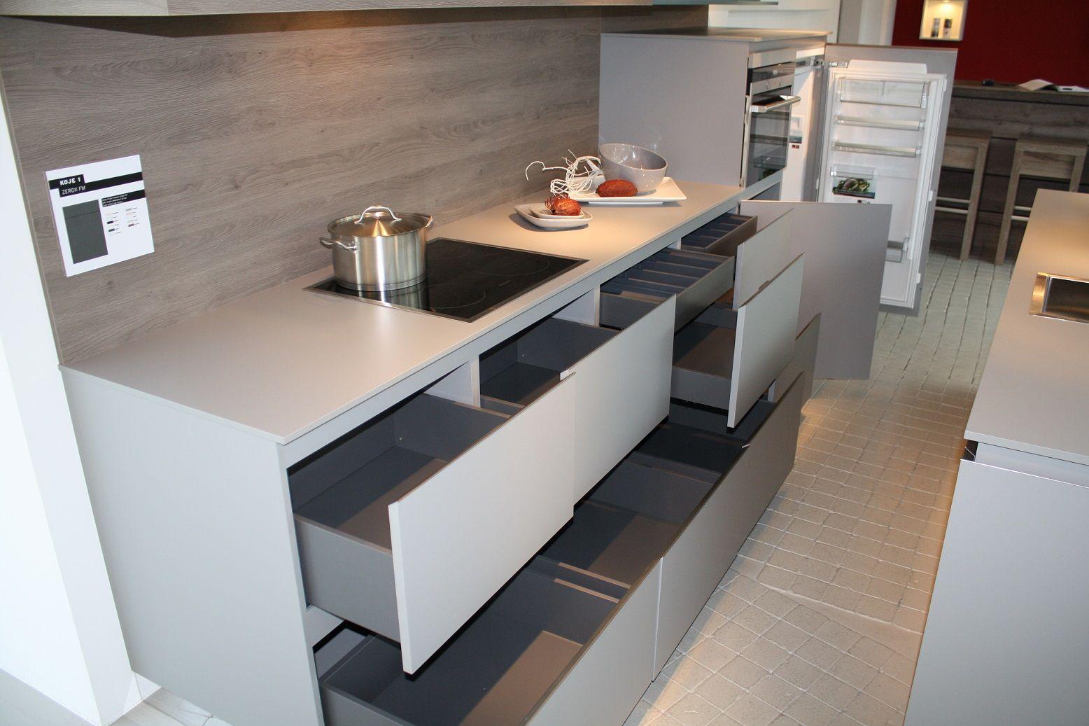Moderne Keuken Met Eiland : moderne eiland keuken 1 5 51019 een rustige matte eiland keuken met