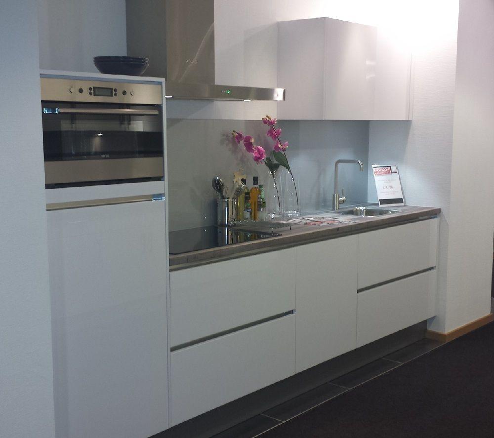 Showroomuitverkoop nl Greeploze keuken in polarwit