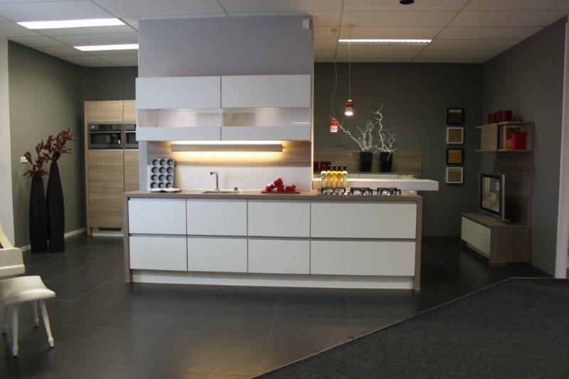 Showroomuitverkoop nl Greeploze keuken [43961]