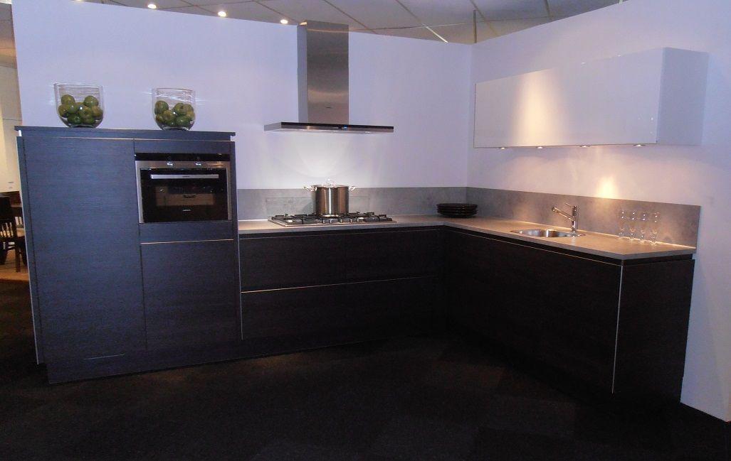 Greeploze Keuken Eiken : Showroomuitverkoop nl Greeploze keuken in donker eiken