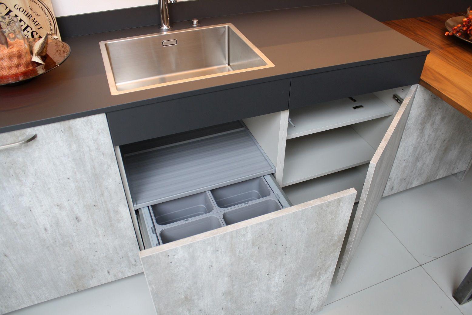 Keuken Kastenwand Te Koop : Afmetingen: Kastenwand: 3040 x 600 mm Hoogte: 2180 mmKookgedeelte