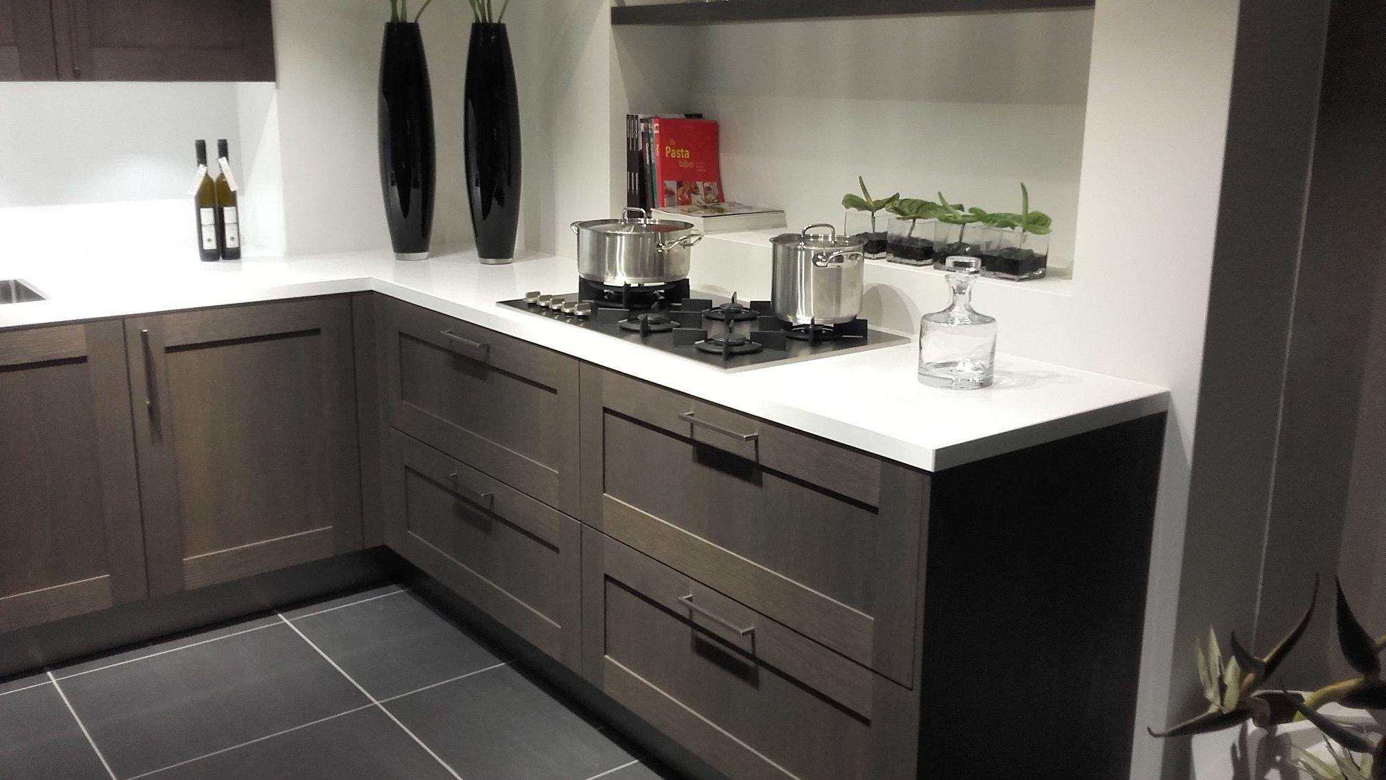 Keukens Met Miele Apparatuur : Showroomuitverkoop nl Landelijke keuken met Miele