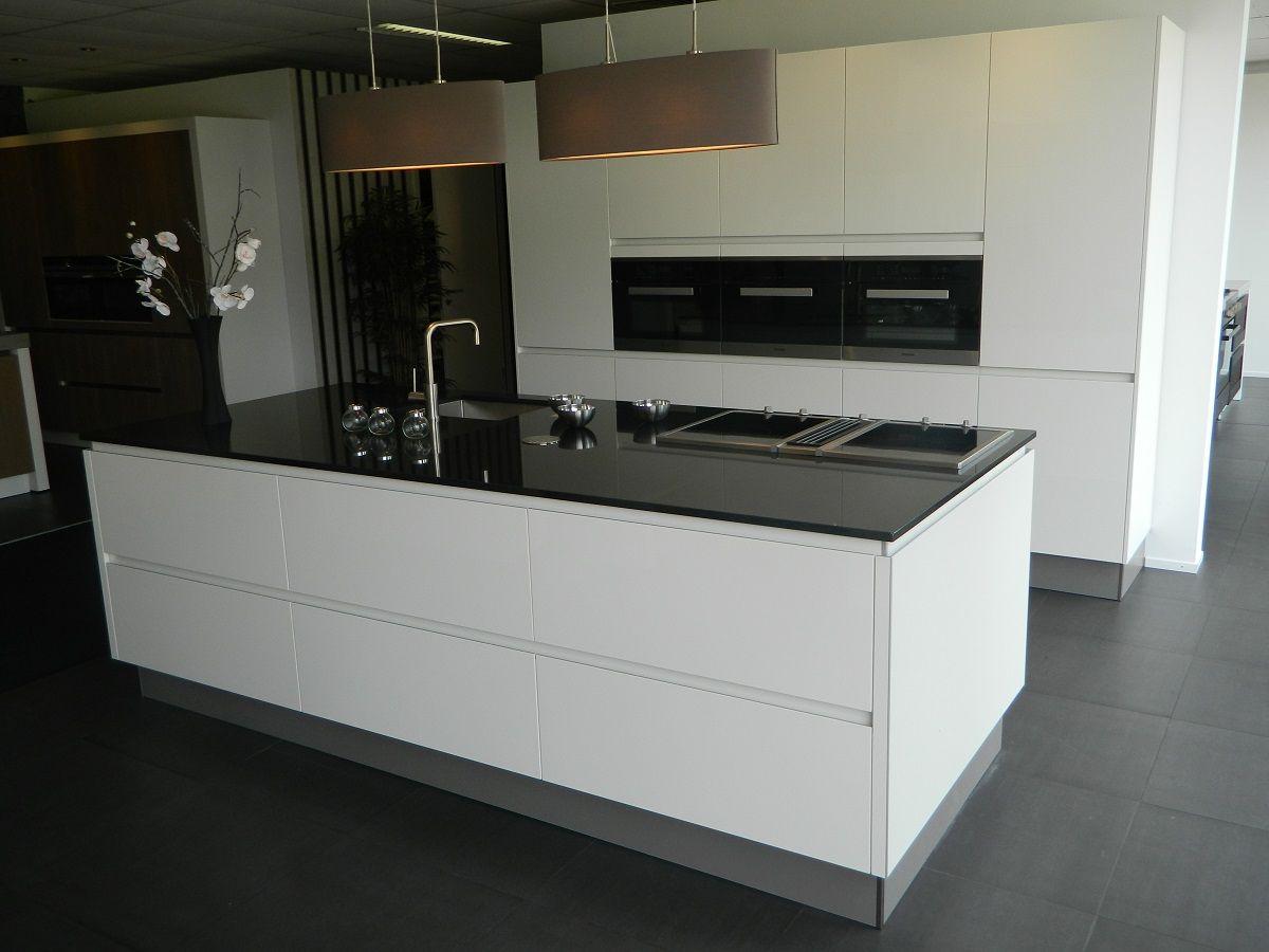 Miele design keuken 55889 - Designer keuken ...