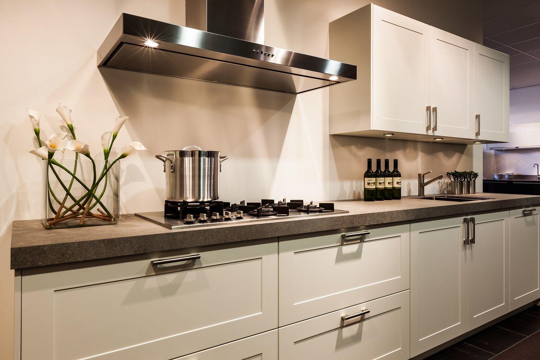 Rechte landelijke keuken in mat wit 56836 - Witte keuken decoratie ...